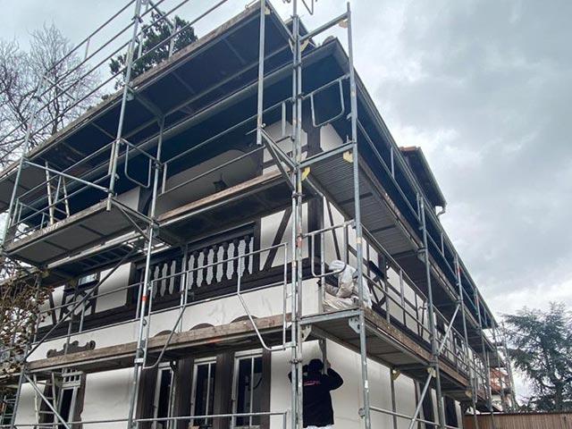 Rénovation de façade de maison à colombages avec Hittier Peinture